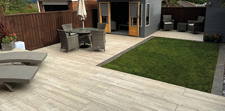 Plank Grey Oak shown with Bellezza Lago to create steps and a border_web